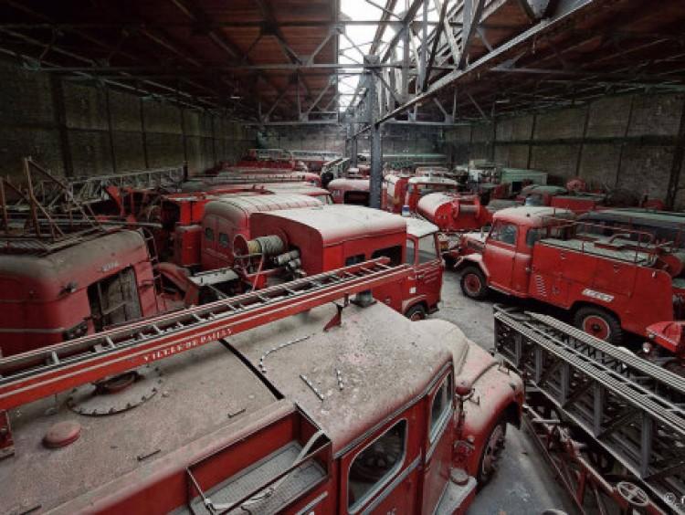 Franse brandweer-auto kerkhof
