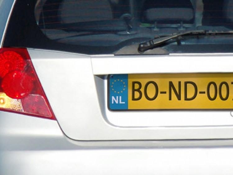 Een kenteken check vertelt veel over een auto
